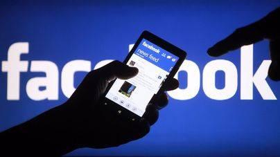7 de cada 10 españoles no borran a sus ex del Facebook