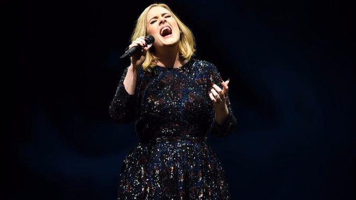 Adele confiesa que sufrió depresión postparto