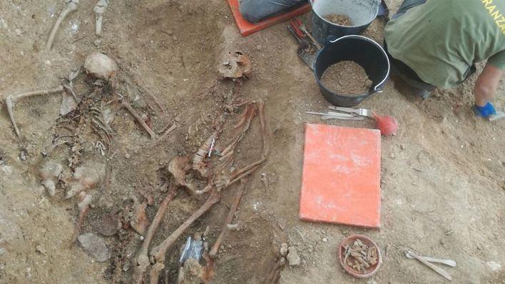 Encontrados más de diez cuerpos en la fosa común de Porreres