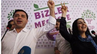 Detenidos los colíderes del prokurdo HDP y nueve parlamentarios del partido