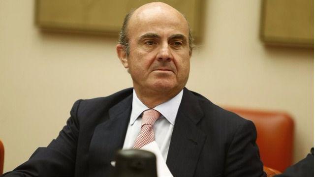 De Guindos apremia a privatizar BMN y Bankia para sanear el sector