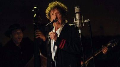 Bob Dylan no acudirá a recoger el Nobel