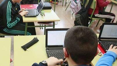 Detenidos cinco menores por robar 80 portátiles de un colegio de Palma y venderlos por 15 euros