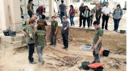 Finaliza la primera fase de la exhumación de Porreres después de dar con 52 cuerpos