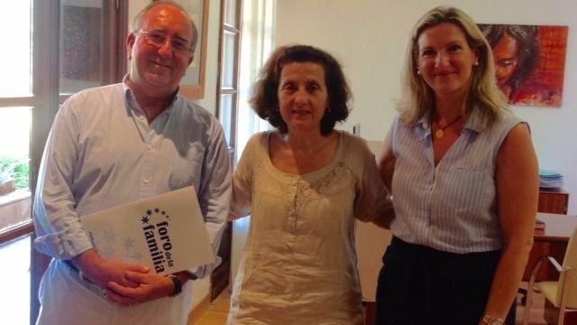 Foro de la Familia se reune con la consellera Santiago para tratar la Ley de Familia de Balears