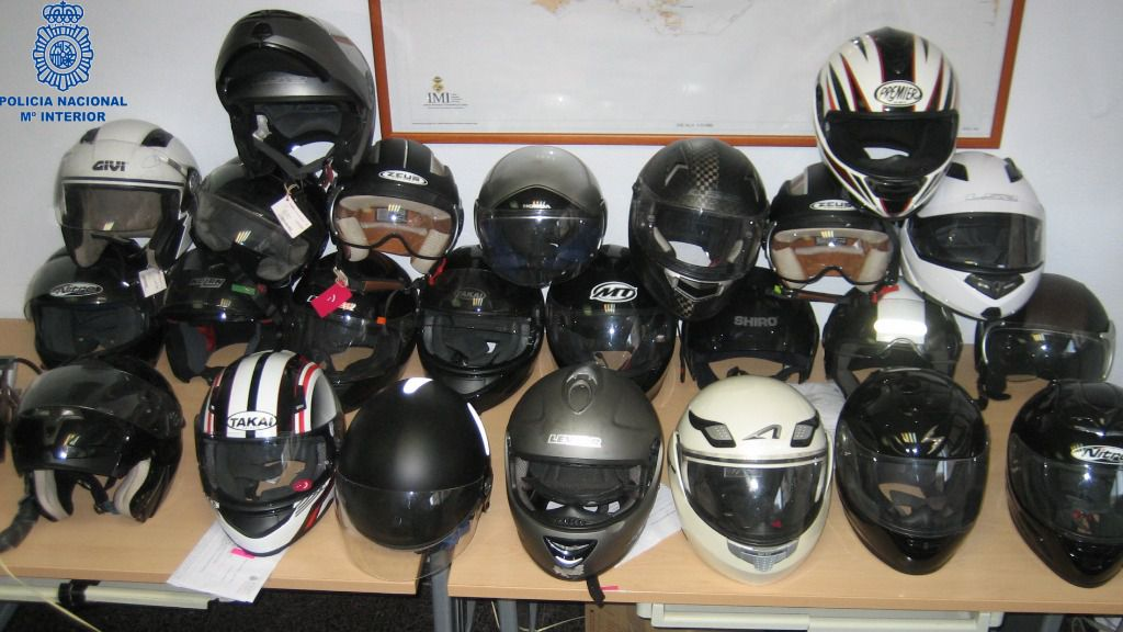 5 detenidos por numerosos robos de cascos de moto en Palma