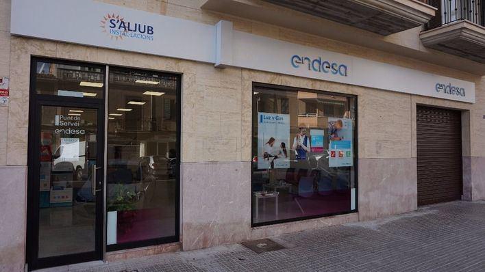df3ddec140dd Endesa abre un punto de atención al público en la calle Foners ...