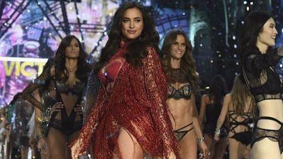 Los ángeles de Victoria's Secret despliegan sus alas en París