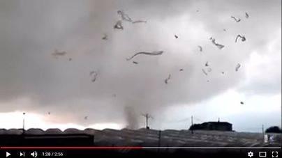 Dos espectaculares tornados causan daños importantes en Huelva