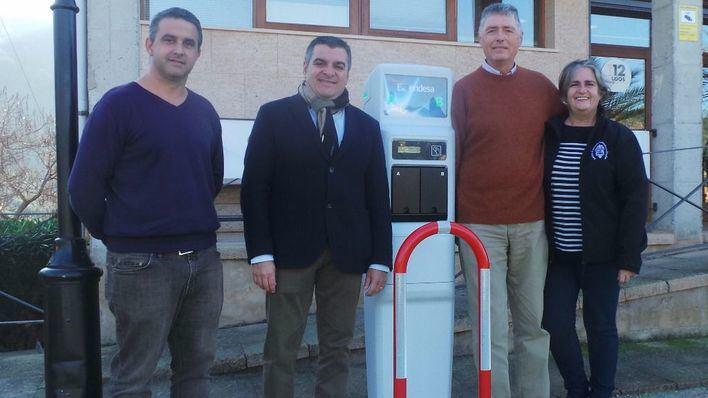 Andratx estrena un punto gratuito de recarga para coches eléctricos