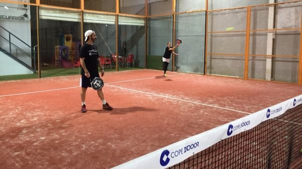 El V Torneo de pádel COPE Indoor entra en la recta final
