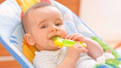 Detectados compuestos nocivos para la salud en mordedores de bebés