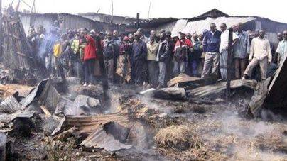 Decenas de muertos por una explosión en un camión en Kenia