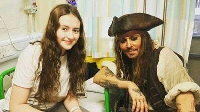 Jack Sparrow visita un hospital infantil