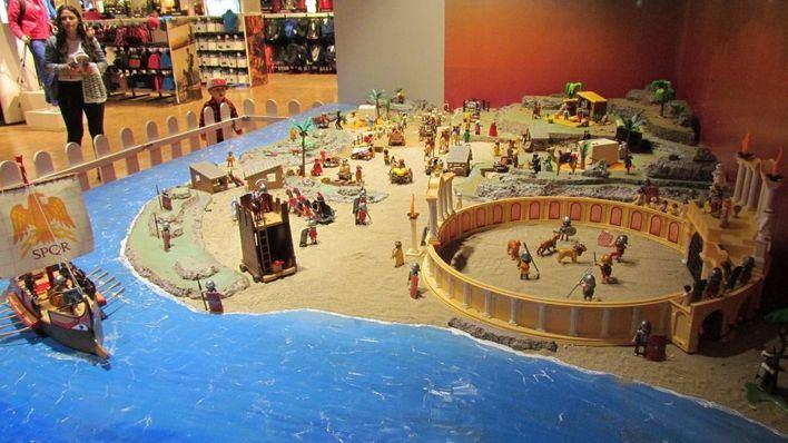 El Corte Inglés inaugura un belén de 6.000 piezas de Playmobil