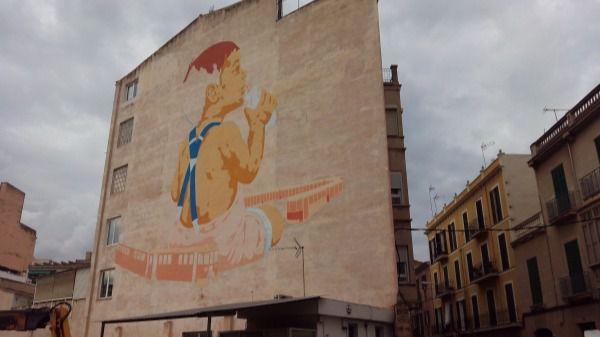 El grafiti más grande de Palma está en la estación del Tren de Sóller