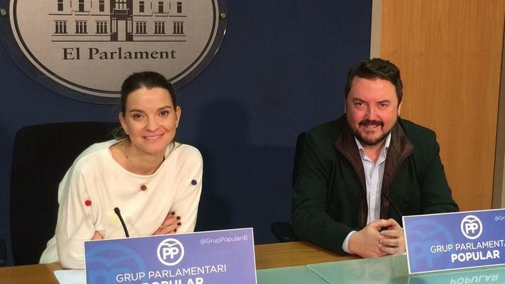 Marga Prohens junto a Antoni Camps
