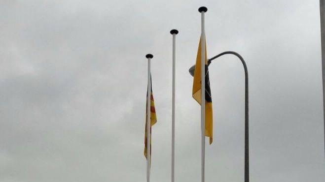 Robada la bandera de España del antiguo parque de bomberos de Palma