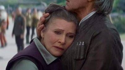 Carrie Fisher, estable dentro de la gravedad tras sufrir un infarto