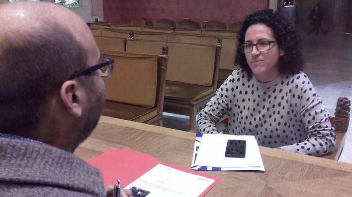 Puigserver, durante la entrevista en la sala de plenos del Consell