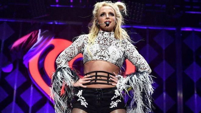 Britney Spears bromea sobre el rumor de su supuesta muerte