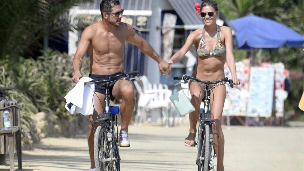 El entrenador y su mujer disfrutando de la buena temperatura de Argentina