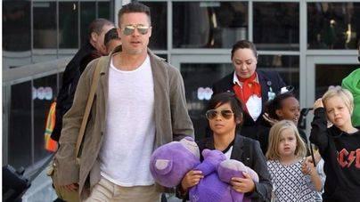 Brad Pitt ve a sus hijos por Navidad
