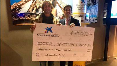 'la Caixa' entrega 4.000€ a Dentistas sobre Ruedas