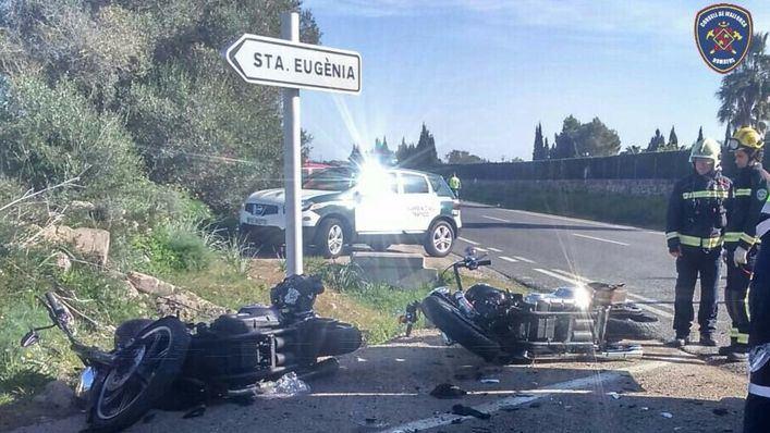 Dos motoristas heridos al chocar contra una ambulancia en la carretera vieja de Sineu