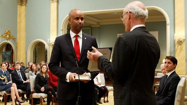 Un somalí que llegó como refugiado, nuevo ministro de Inmigración de Canadá