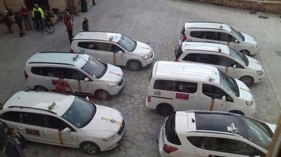 Los taxis han seguido estacionando junto a la Catedral