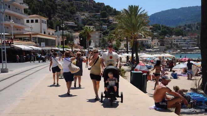 Las tarifas de turismo y hostelería en Balears subieron un 1,5% en 2016