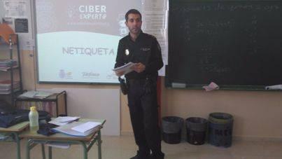La Policía Nacional pone en marcha el 'Programa Ciberexperto'