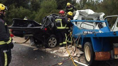 Dos muertos al chocar un todoterreno y un camión en Artà