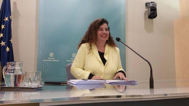 Pilar Costa acusa al PP de secuestrar y poner en jaque al Parlament