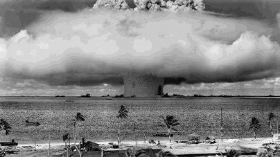 Prueba nuclear realizada por Estados Unidos en el Atolón Bikini en 1946