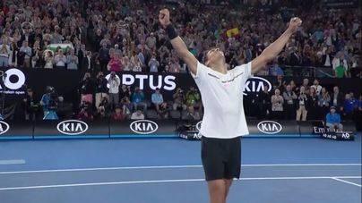 Rafa Nadal celebra la victoria y el pase a la final del Open de Australia