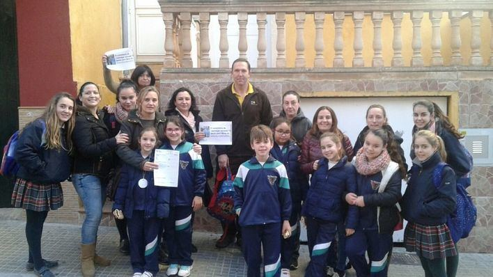 Padres de Llucmajor reclaman al Ajuntament el abono de las 75 becas de libros prometidas