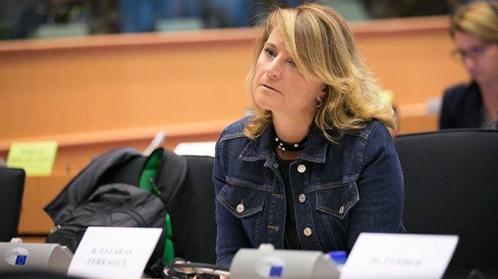 Estaràs reclama el reconocimiento automático de las adopciones dentro de la Unión Europea