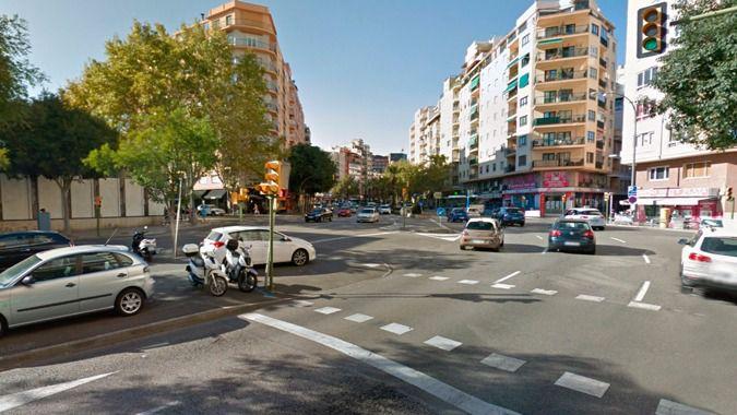 Detenido un motorista borracho tras saltarse 2 semáforos en rojo en las Avenidas e intentar atropellar a un policía