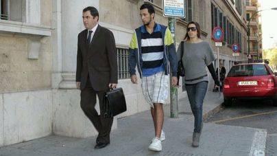 Miguel Arenas Beltrán, Valtonyc, el día de su declaración ante el juez en Palma