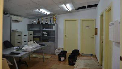 Las fuertes lluvias inundan las oficinas de la Policía de Capdepera