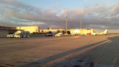 El aeropuerto de Son Sant Joan es la principal vía de salida de la isla