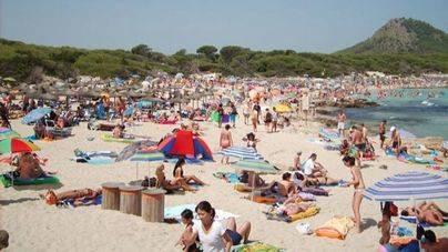 La UE busca solución a los residuos que provoca el turismo en el Mediterráneo