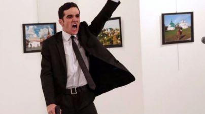 El asesinato del embajador ruso, World Press Photo 2017