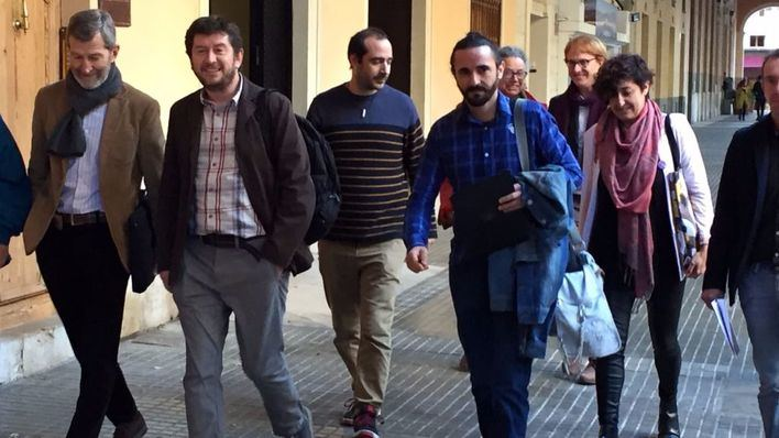 A la izquierda, José Julio Rodríguez, junto a otros cargos del partido