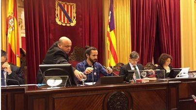 Picornell, elegido president del Parlament con 34 votos a favor