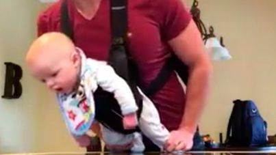 El bebé que imita a Michael Jackson arrasa en internet