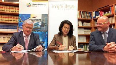 José Luis Roses y Carmen Plana, junto a Antoni Riera, director de Imulsa