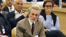 Correa llega al juicio de la Audiencia Nacional en ambulancia